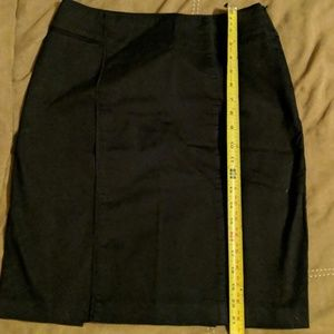 NY&Co black stretch skirt - sz 6